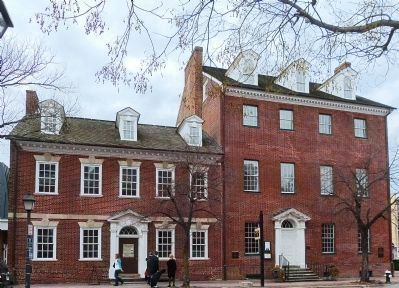 Gadsby's Tavern image. Click for full size.