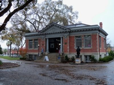 The Paso Robles Carnegie Library & Ignacy Jan Paderewski Monument image. Click for full size.
