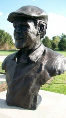 Bust of William Payne Stewart image. Click for full size.
