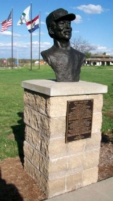 Louis Clark Brock Marker and Bust image. Click for full size.