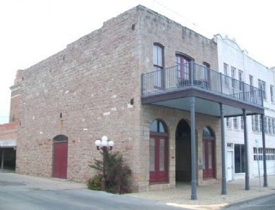 The Freeze Building, 18 West Concho Avenue image. Click for full size.