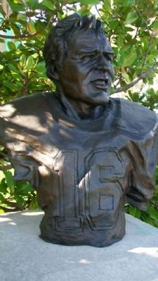 Bust of Len Dawson image. Click for full size.