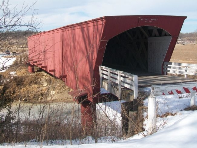 Holliwell Covered Bridge image. Click for full size.