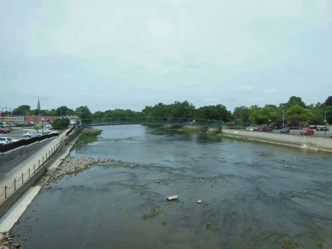 Monroe Street Bridge (<i>looking west across River Raisin from south end</i>) image. Click for full size.