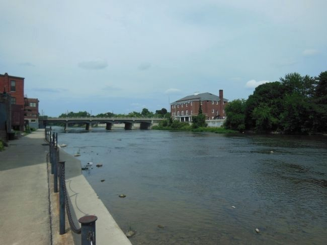 Monroe Street Bridge (<i>looking from east toward the bridge</i>) image. Click for full size.