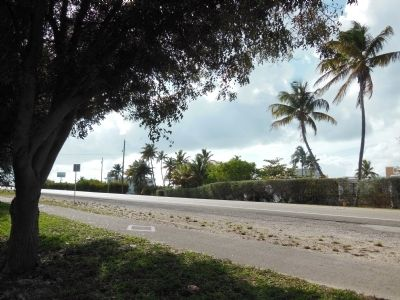 Overseas Highway (U.S. Highway 1) - looking southwest from marker image. Click for full size.