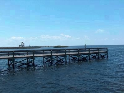 Bayport Beach Park Pier image. Click for full size.