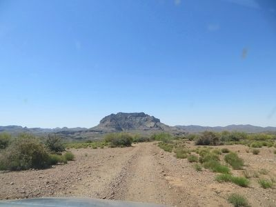 Dirt road to Historic Pinal Cemetery image. Click for full size.