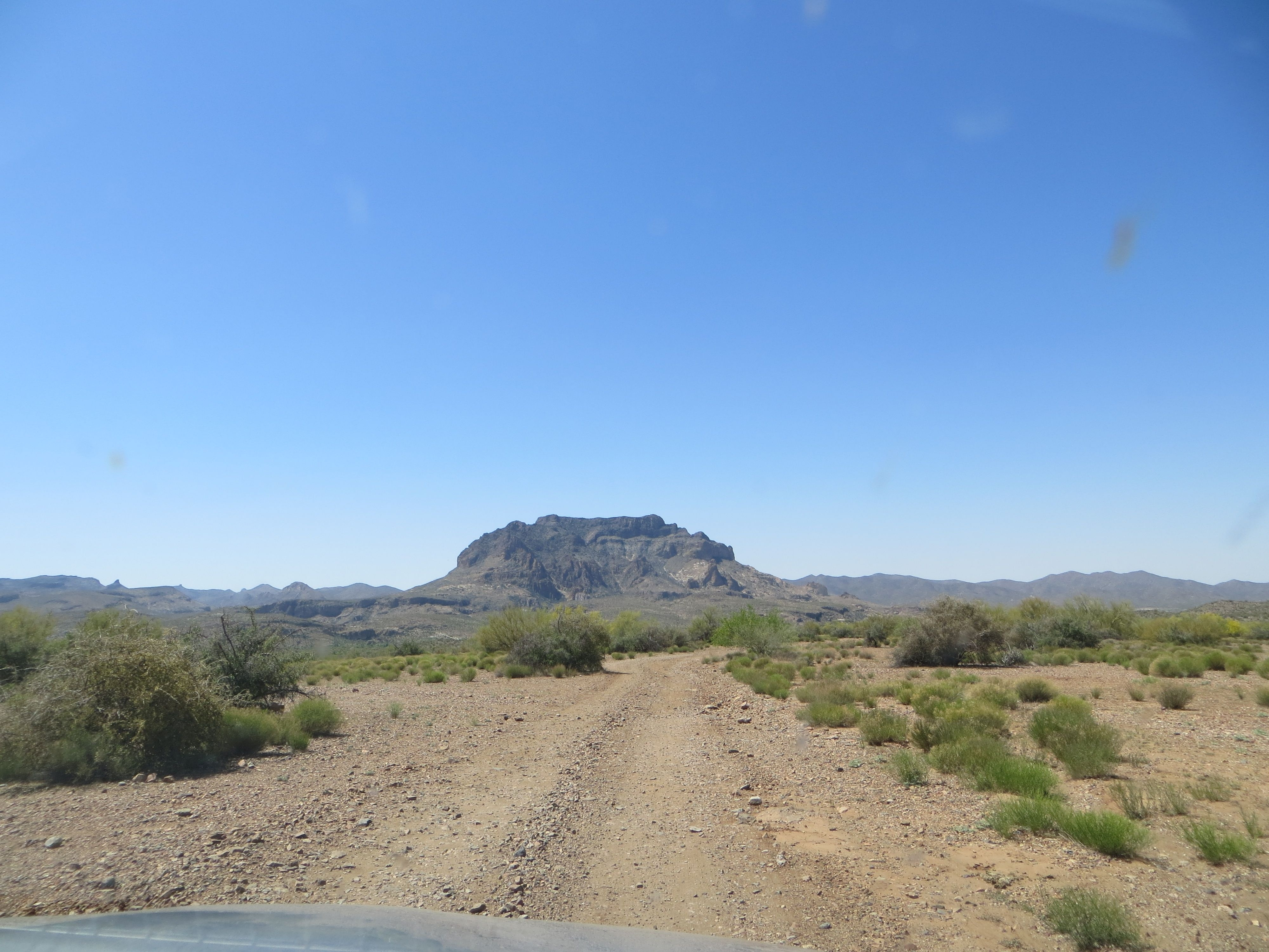 Dirt road to Historic Pinal Cemetery