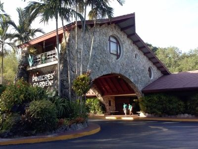 Entrance to Pinecrest Gardens (Parrot Jungle) image. Click for full size.