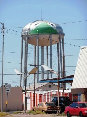 "Kermit Texas ""frog"" Water Tower image. Click for full size."