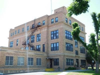 Winkler County Courthouse (northwest view) image. Click for full size.