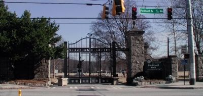 Entrance to Piedmont Park image. Click for full size.