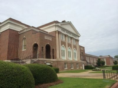 Dothan First Baptist Church image. Click for full size.