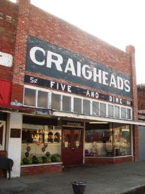 Craighead's 5 & 10 Store and Marker image. Click for full size.