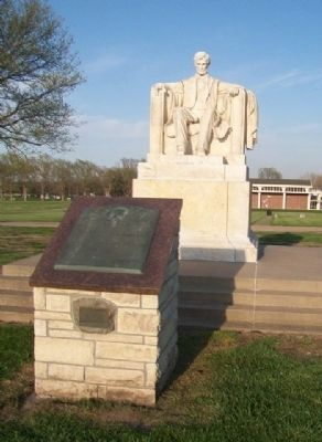 Gettysburg Address Marker at Lincoln Monument image. Click for full size.