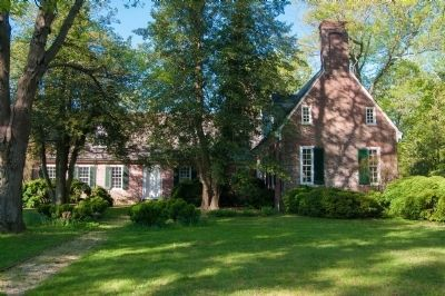 Holly Hill Colonial House image. Click for full size.