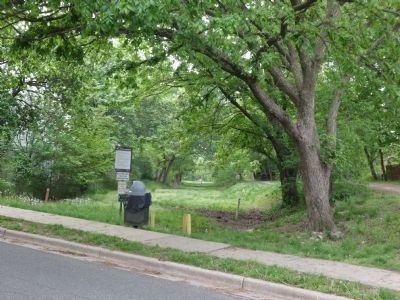 Unpaved trail across the street from the marker image. Click for full size.