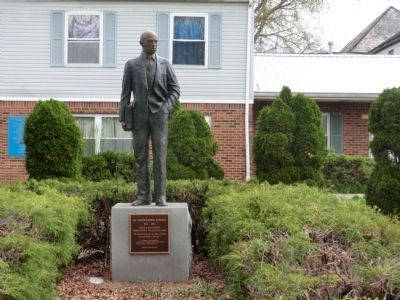 Carter Godwin Woodson Statue image. Click for full size.