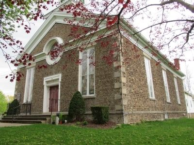Front and West Sides North Ridge Methodist Church image. Click for full size.