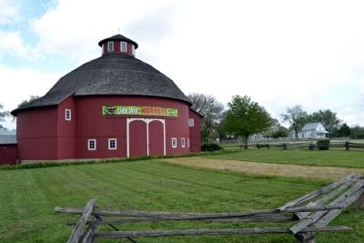 1911 Round Barn image. Click for full size.
