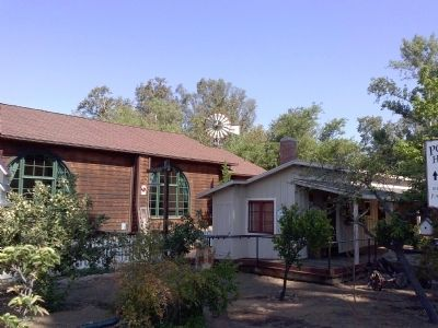 Porter House (right) adjacent to Templars Hall in Old Poway Park image. Click for full size.