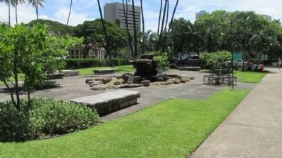 Kawaiaha'o Landmark Fountain image. Click for full size.