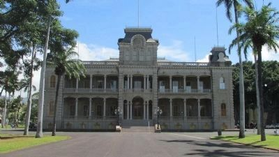Iolani Palace image. Click for full size.