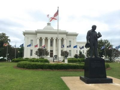 Alabama State Capitol & Avenue of Flags image. Click for full size.