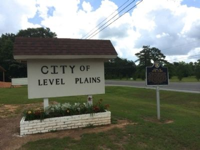 Town of Level Plains City Hall sign image. Click for full size.