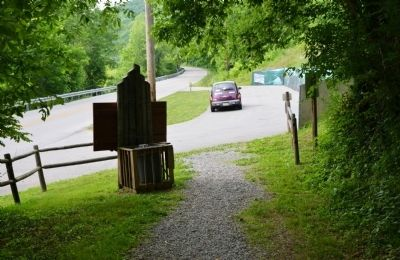 Parking Area at the Trailhead image. Click for full size.