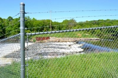 Remnants of Pine Creek Dam Today image. Click for full size.