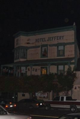 Jeffery Hotel at Night image. Click for full size.