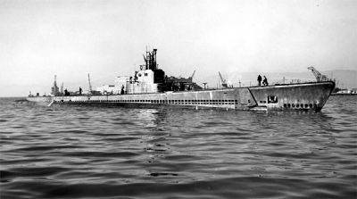 USS <i>Herring</i> (SS-233) - World War II image. Click for full size.