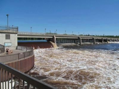 Coon Rapids Dam image. Click for full size.
