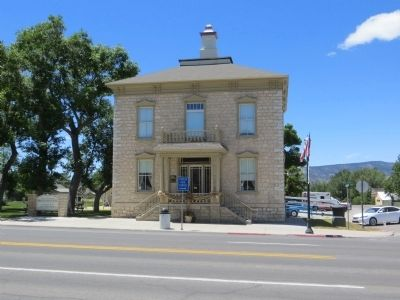 Manti City Hall image. Click for full size.
