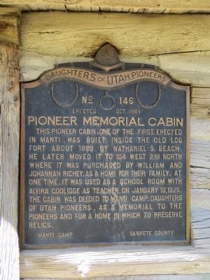 Pioneer Memorial Cabin Marker image. Click for full size.
