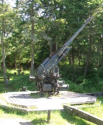 90 mm Anti-Aircraft Gun and Marker image. Click for full size.