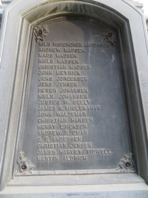 Pioneer Monument Marker <i>Back Plate:</i> image. Click for full size.