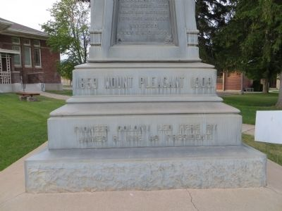 Pioneer Monument Marker <i>Front Plinth:</i> image. Click for full size.