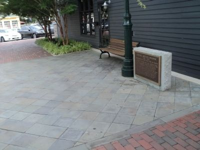 Marker in the Washington Street Mall image. Click for full size.
