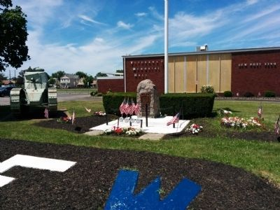 Wide shot of Manville VFW War Memorial image. Click for full size.