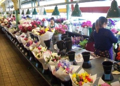 Pike Place Market Flower Stand image. Click for full size.