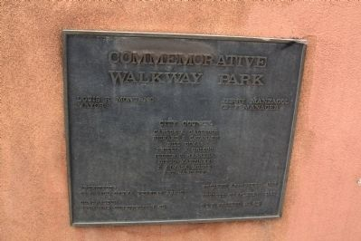 Commemorative Walkway Park Politician's Plaque image. Click for full size.