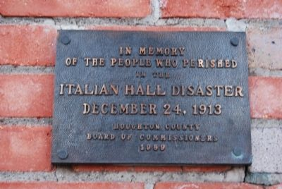 Italian Hall Disaster plaque image. Click for full size.