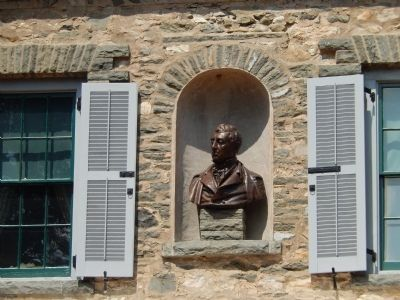 General LaFayette's bust in center of building image. Click for full size.