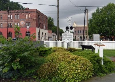 Wide view of the Greenbrier County / Monroe County Marker image. Click for full size.