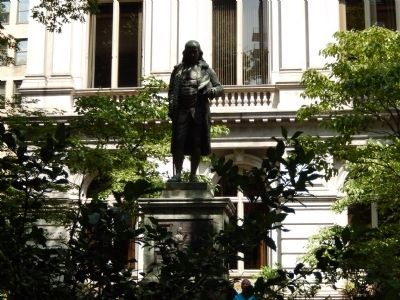 Benjamin Franklin Statue in front of Old City Hall image. Click for full size.
