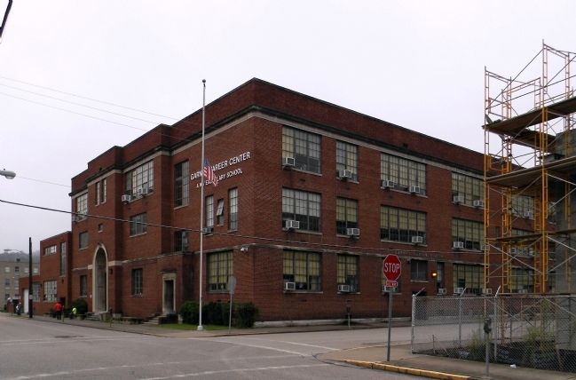 Garnet High School image. Click for full size.