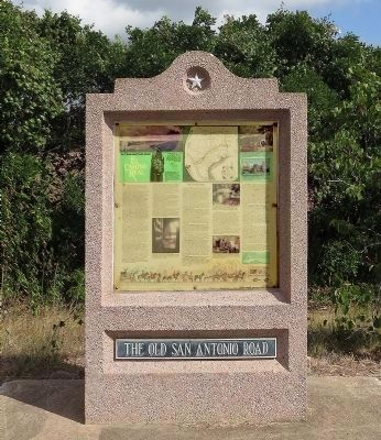 Old San Antonio Road Monument image. Click for full size.